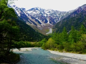 kamikochi-river-and-trees1