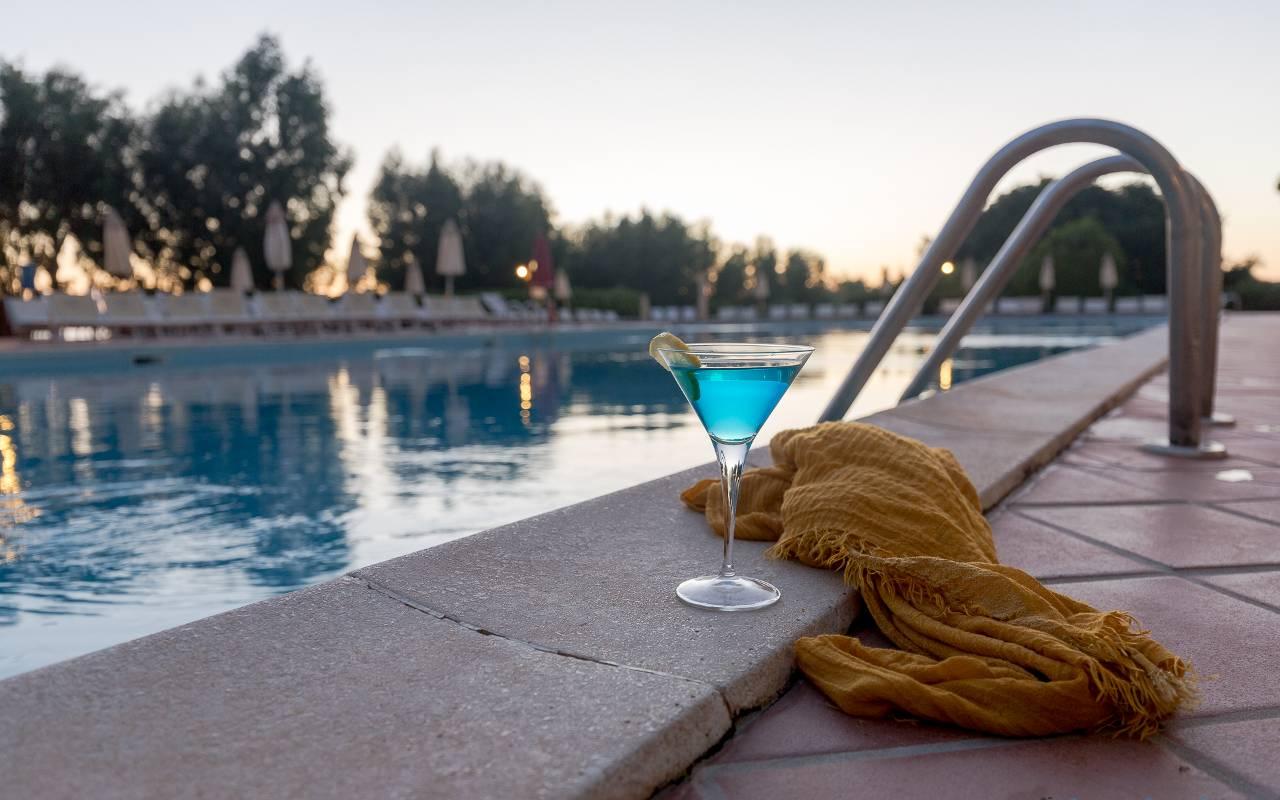 cocktail piscina paradise beach resort